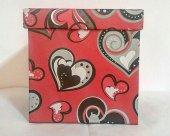 1 Adet Kırmızı Kalp Desenli 14cmx14cm Boyutunda Kare Karton Kutu