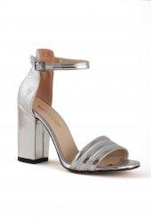 Draco Gümüş Rugan Topuklu Bayan Ayakkabı