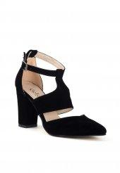Rosanam Siyah Süet Bilekten Kemerli Topuklu Ayakkabı