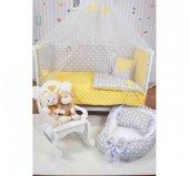Bebekonfor Sarı Gri Yıldız Uyku Seti İle Beyaz Karyola Bebek Beşiği