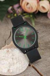 Siyah Renk Silikon Kordonlu Yeşil Kadranlı Bayan Kol Saati