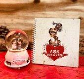Aşk Hikayesi Aşk Sözleri Dolu Müzikli Kar Küresi Ve Aşk Hikayemiz Albümü Sevgiliye Hediye Seti